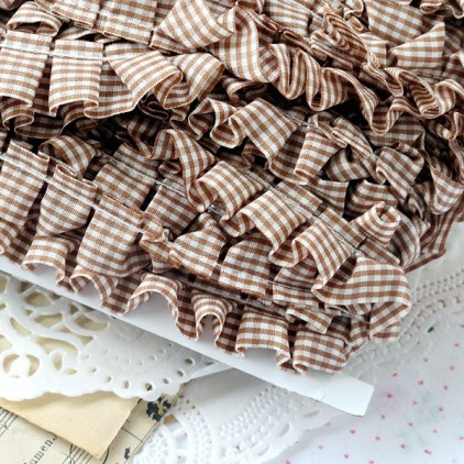 Ruffled - checkered trim - brown - 1 meter