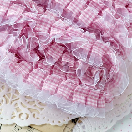 Ruffled - checkered trim - pink with white chiffon