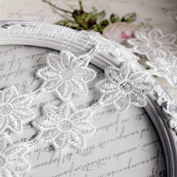 Guipure lace flowers - widh 4,2cm - white - 1 meter