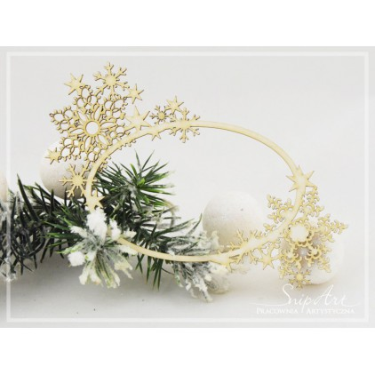 Cardboard - frame with snowflakes oval -SnipArt