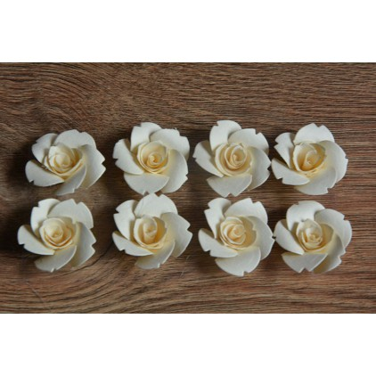 A set of paper flowers - cream 92 - 8 pieces