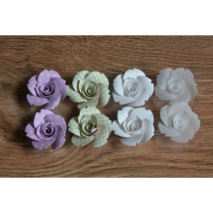 A set of paper flowers - mix of colours 95 - 8 pieces