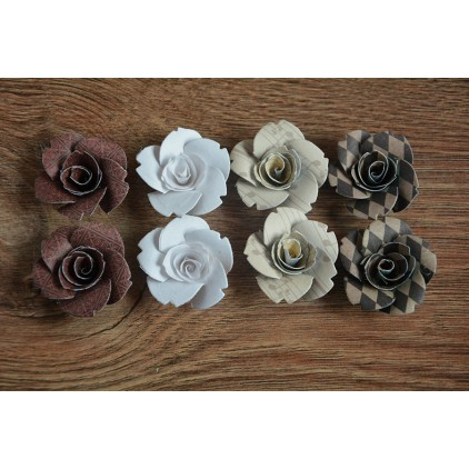 A set of paper flowers - mix of colours 128 - 8 pieces
