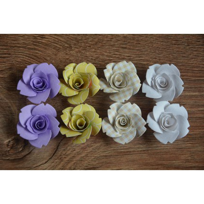 A set of paper flowers - mix of colours 129 - 8 pieces