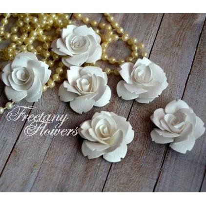 Zestaw papierowych kwiatów - białe 160401 - 6 sztuk