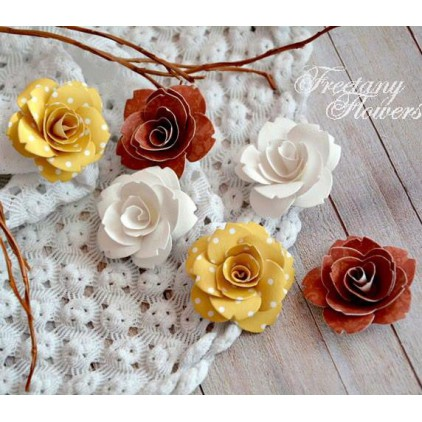 A set of paper flowers - mix of colours 160410  - 6 pieces