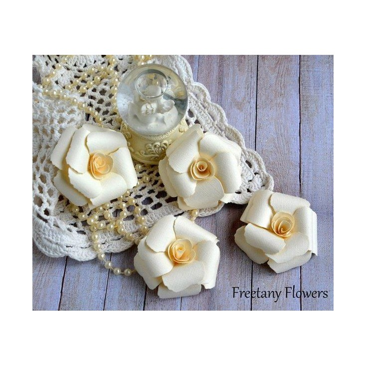 A set of paper flowers - cream- 170134 - 4 pieces