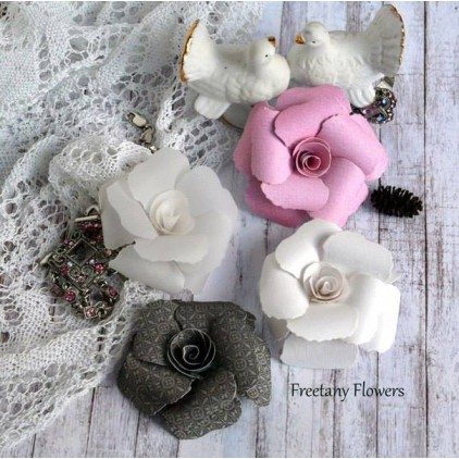 A set of paper flowers - mix of colours - 170136 - 4 pieces