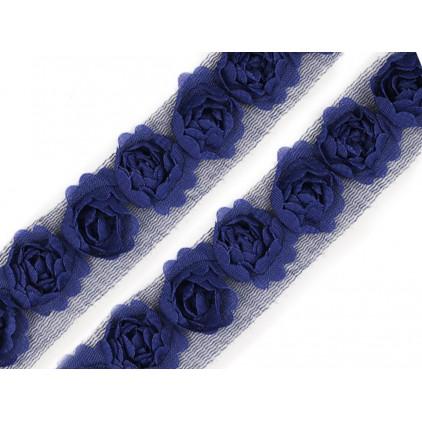 Róże na tiulu - błękit pruski