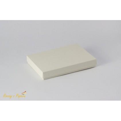 Pudełko na kartkę C6 pełne, niskie 12,4x17,2x2,5 kremowe - Rzeczy z Papieru