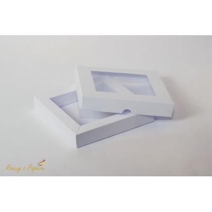Pudełko shadow box z okienkiem 15x15x2,5 białe - Rzeczy z Papieru