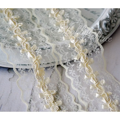 Synthetic lace with roses - widh 4,5cm - vanilla - 1 meter