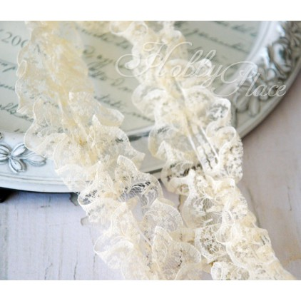 Pleaded, synthetic lace - widh 4,5cm - vanilla - 1 meter