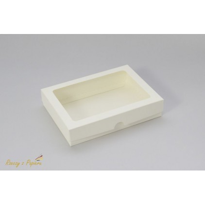 A box for a card C6 with a window, low - 12,4x17,2x3,5cream - Rzeczy z Papieru