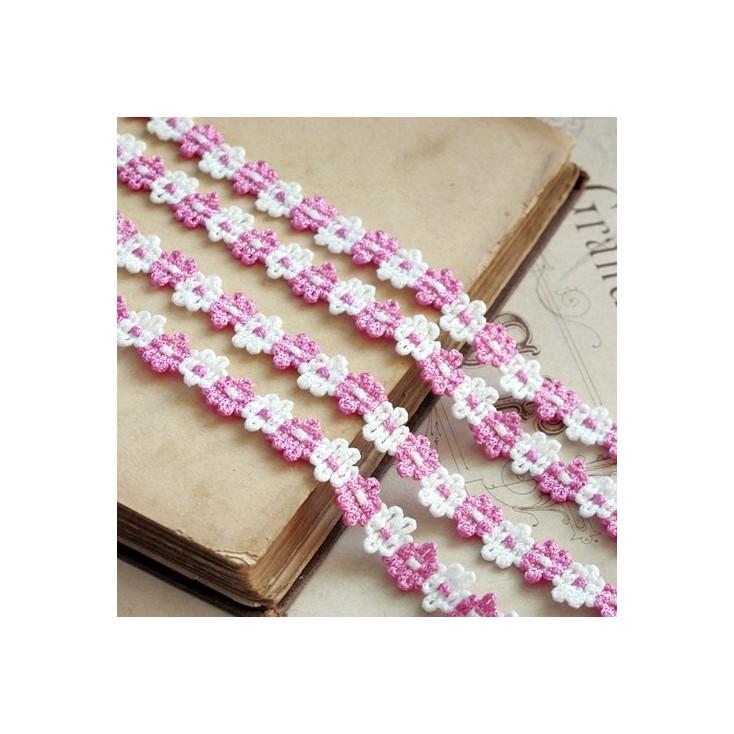 Koronka ozdobna - plecione kwiatuszki - biało-różowa - 1 metr