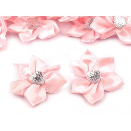 Satynowy kwiatek z serduszkiem - różowy