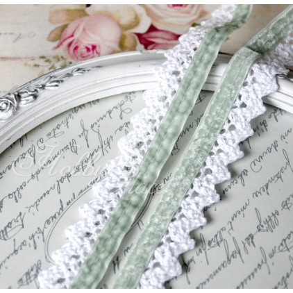Cotton lace with velvet - widh 2,5cm - 1 meter - white with green velvet