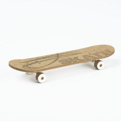 cardboard skateboard 3D- Crafty Moly 1443