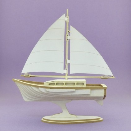 cardboard sailboat, yacht 3D- Crafty Moly 1407