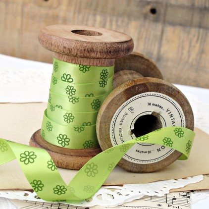 green ribbon with daisies- 1m satin ribbon