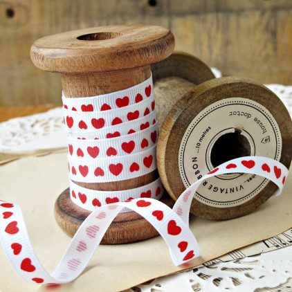 white ribbon red hearts - grosgrain ribbon 1m