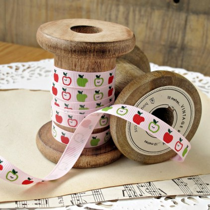 pink ribbon in apples - grosgrain ribbon 1m