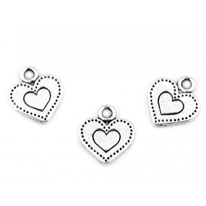 Metalowa zawieszka serce - srebrne 1,2 x 1,3 cm