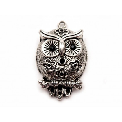 Metal owl with flowers pendant - silver 2,0 x 2,3 cm