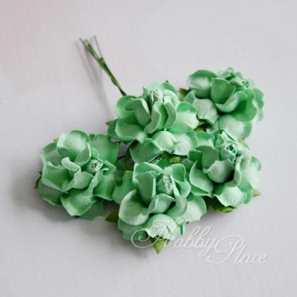 Scrapbooking kwiaty - jasnozielone róże z papieru mullberry - 5 sztuk