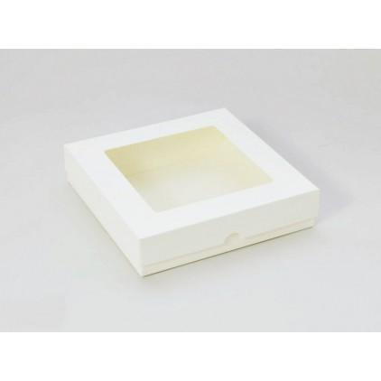 Kremowe pudełko na kartkę z okienkiem - wysokie kwadratowe - Rzeczy z Papieru