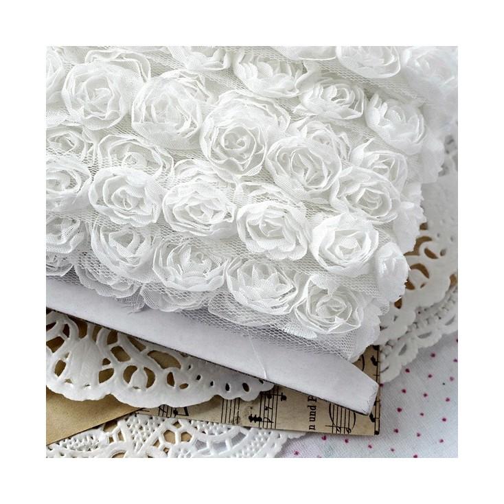 1 meter trim - Roses on tulle - white