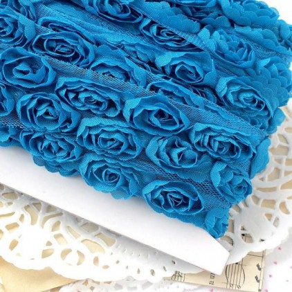 Roses on tulle - turquoise