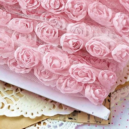 Roses on tulle - pink