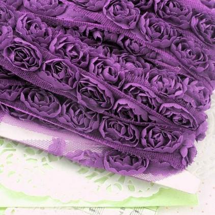 Róże na tiulu - fioletowe